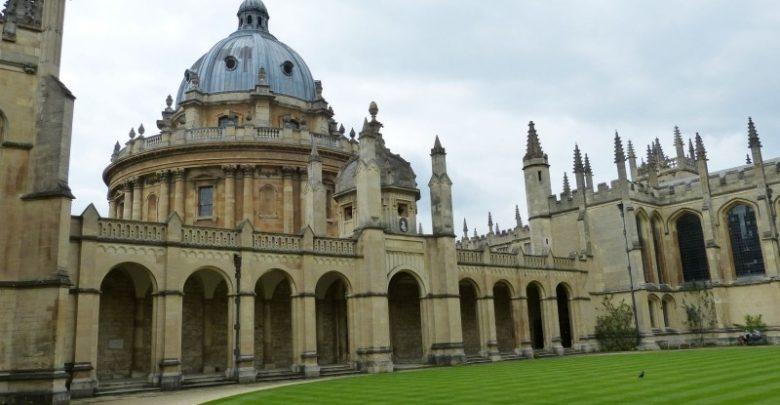 Photo of Oxford ve své tisícileté historii letos poprvé přijal více žen než mužů