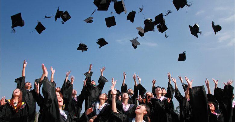 Photo of Nejpopulárnější kurz všech dob na univerzitě Yale? Kurz štěstí