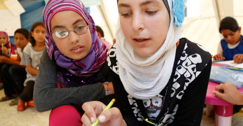 Photo of Vyučování vSýrii: Hodiny vpodzemí nebo přes WhatsApp, učitelé spíše plní roli psychologa než učitele