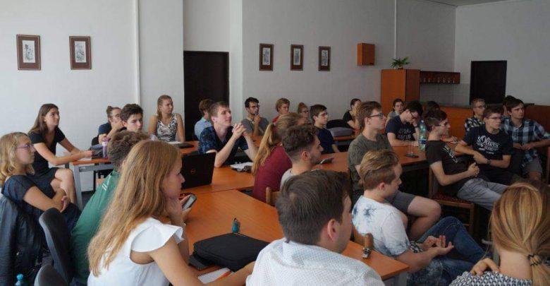 Photo of Středoškoláci tvoří odborné práce