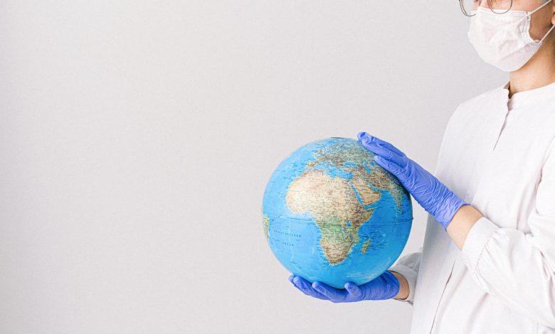 Photo of Distanční výuka v zahraničí: V New Yorku testují na Covid co dva týdny