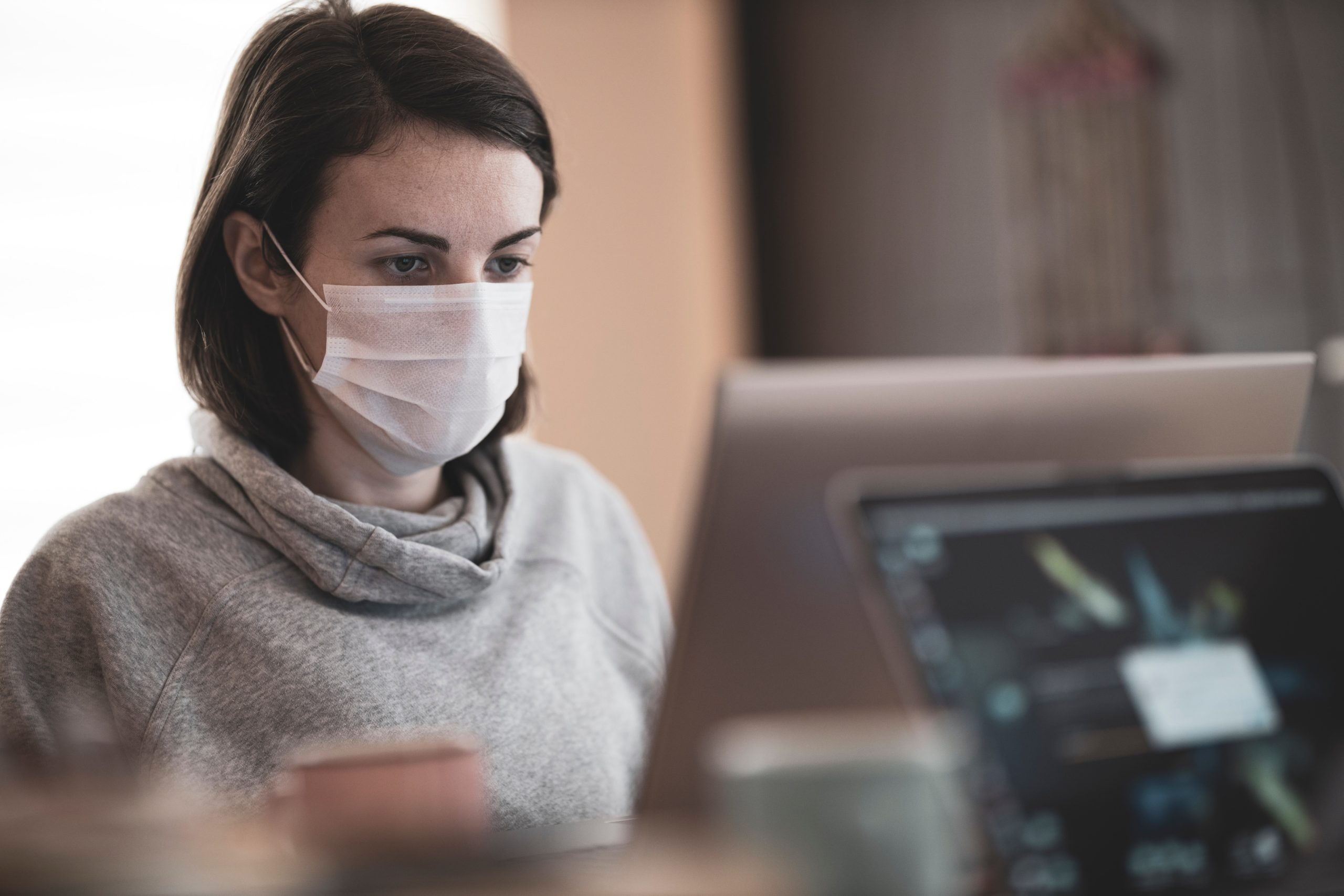 Photo of Je to chřipka, nafouknutá mediální bublina a ministerstvo na nás kašle
