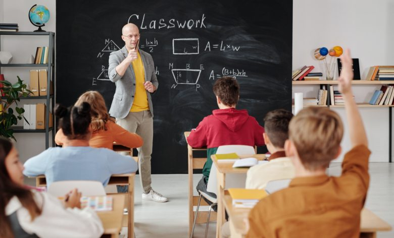 """Photo of Jak se """"probydlet"""" ke vzdělání aneb K maturitě po australsku"""